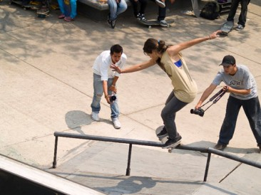 Black Board Womens Skate Contest
