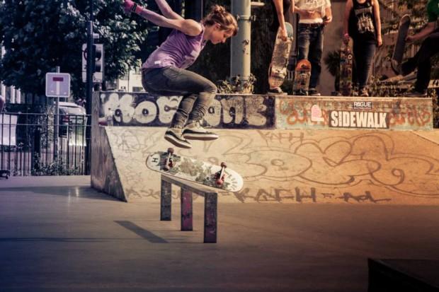 dora horvath flip front board
